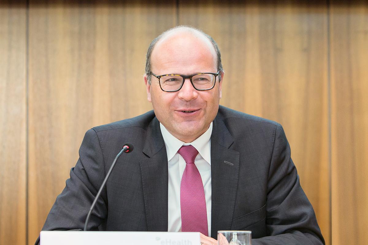 minister_12